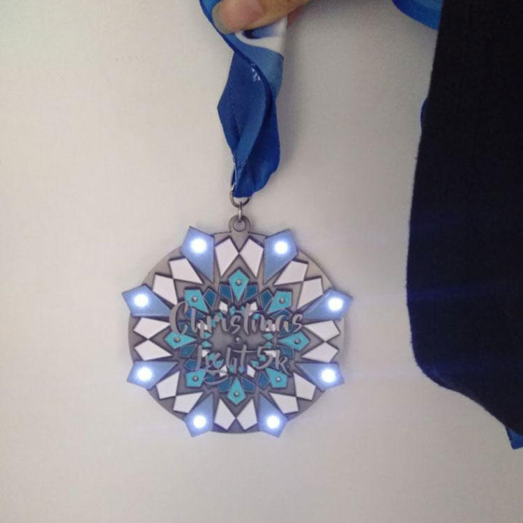 3d die casting half marathon club triathlon music Flashlight LED medals