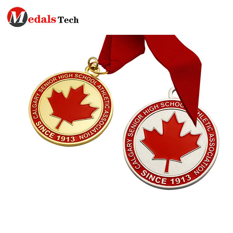 Cheap custom gold plating soft enamel metal handmade map leaf Canada medals