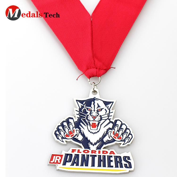 Cheap custom 3d tiger shaped made metal souvenir medals