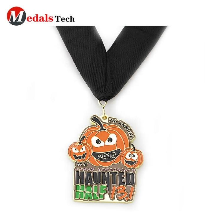 Professional Halloween pumpkin marathon school sports event runner finisher race medals custom trophies