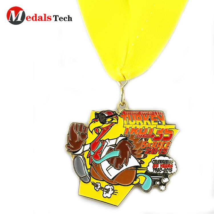 High quality football sports silver plating 5k running soft enamel Turkey Halloween medal