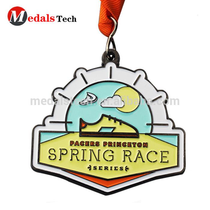 Best sports medal design in gold engraved logo spring race silver souvenir medals