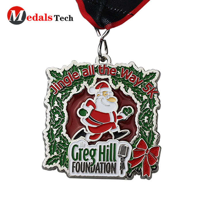 Custom make cheap christmas style soft enamel metal candy snow santa medals
