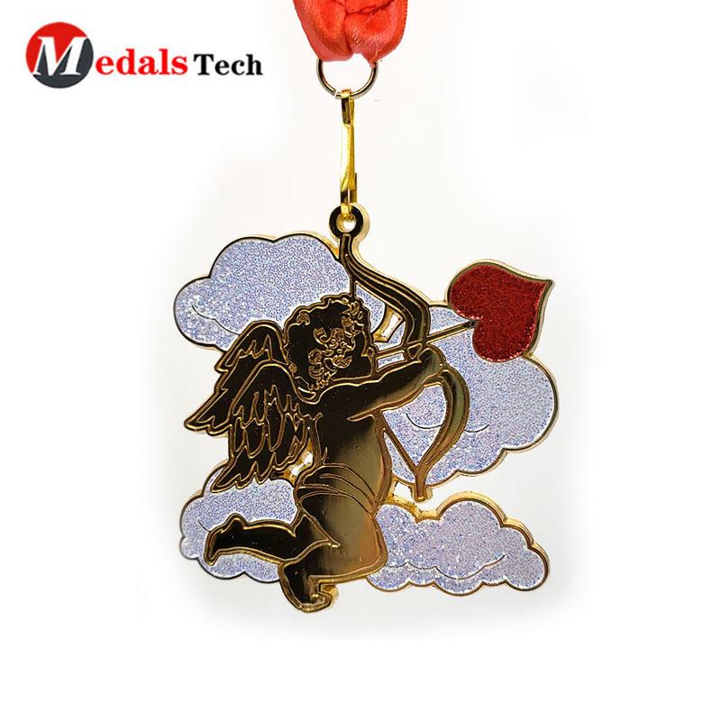 Shenzhen Supplier customized glitter Cupid shape Valentine's Day couple challenge marathon shiny gold die cast custom medals