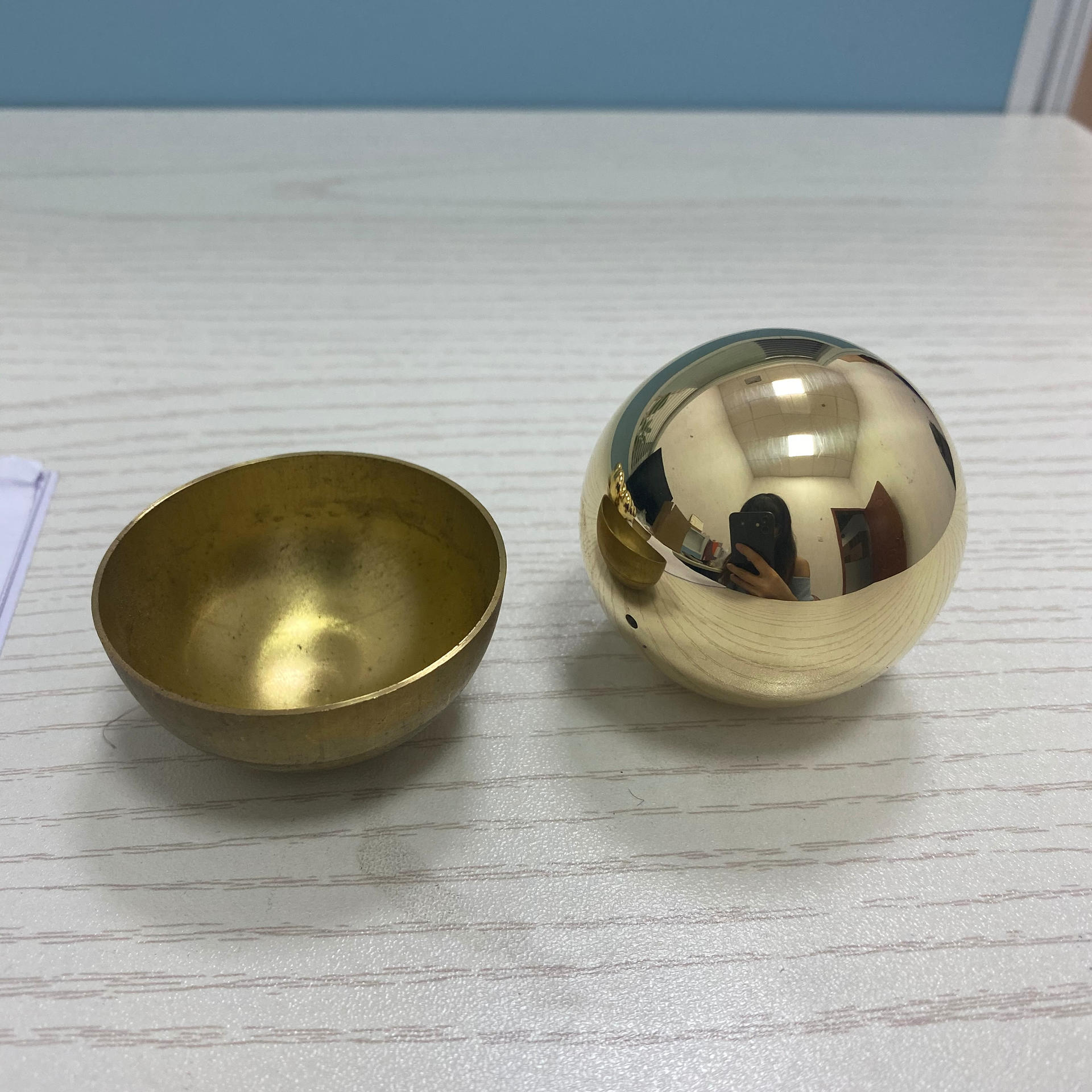 screw brass sphere with ring