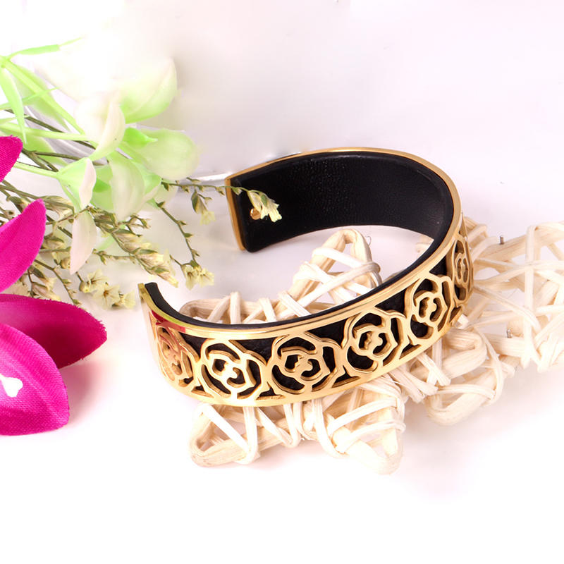 Retro Men's Casual Pair Of Leather Bracelet, Gold Flower Bangle