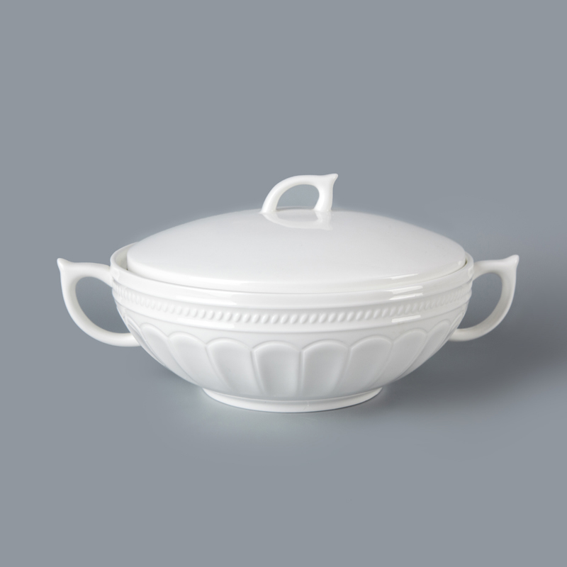 refined and goog quality porcelain dinner tableware for hotel restaurant two handles soup tureens with lid