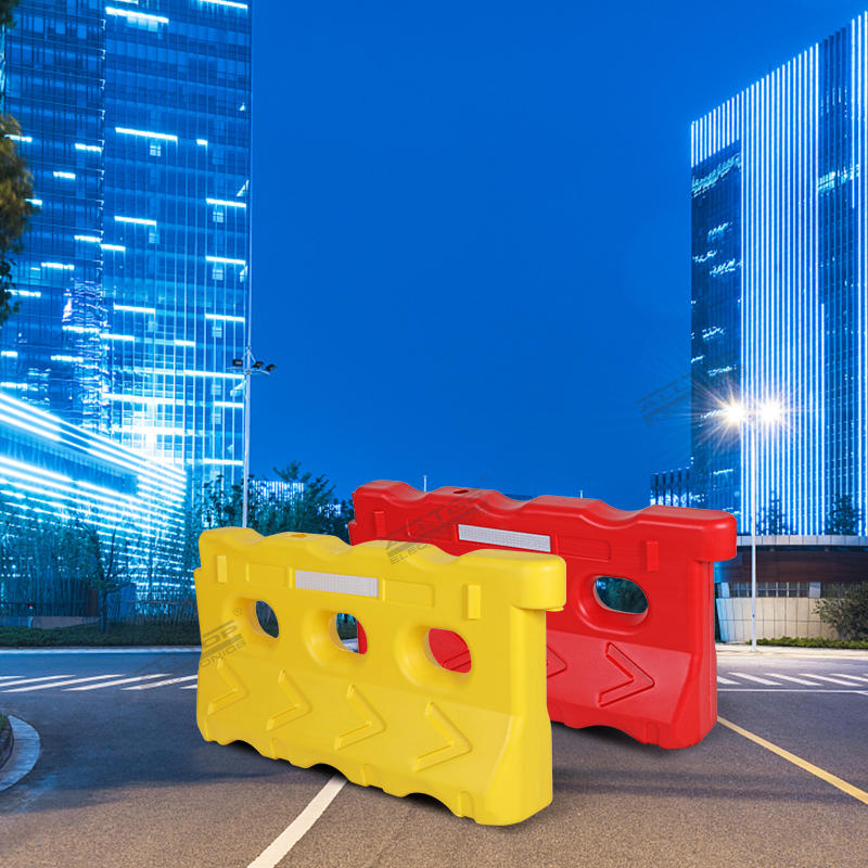 Red Yellow plastic road safety water filled traffic barriers