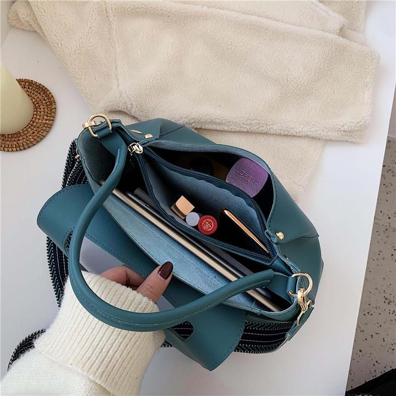 Totes Bags Women Large Capacity Handbags Women PU Shoulder Messenger Bag Female Retro Daily Lady Elegant Handbags