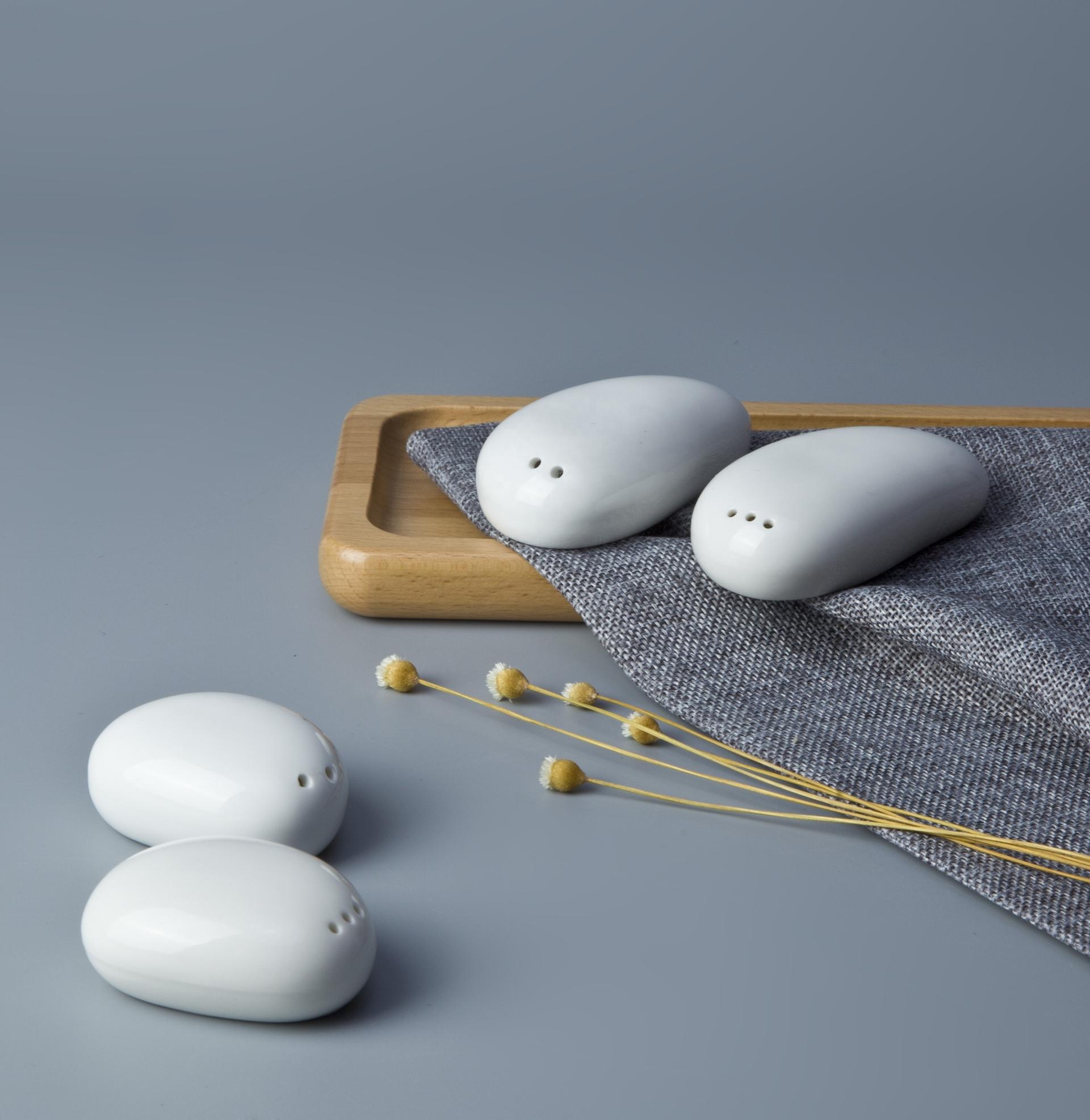Wholesale Crockery Tableware Egg Shaped Salt And Pepper Shaker, Salt And Pepper Shakers For Banquet&