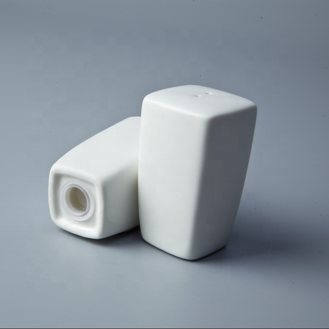 Unique Design White China Porcelain Salt And Pepper Shaker, Salt And Pepper Shakers For Banquet&