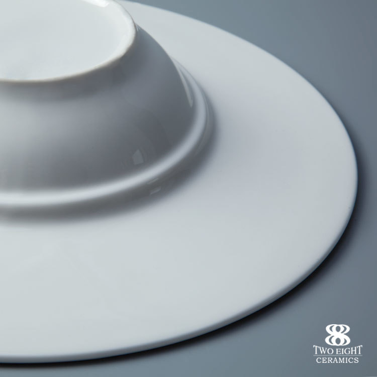 Wholesale white ceramic restaurant and hotel round pasta plate for wedding