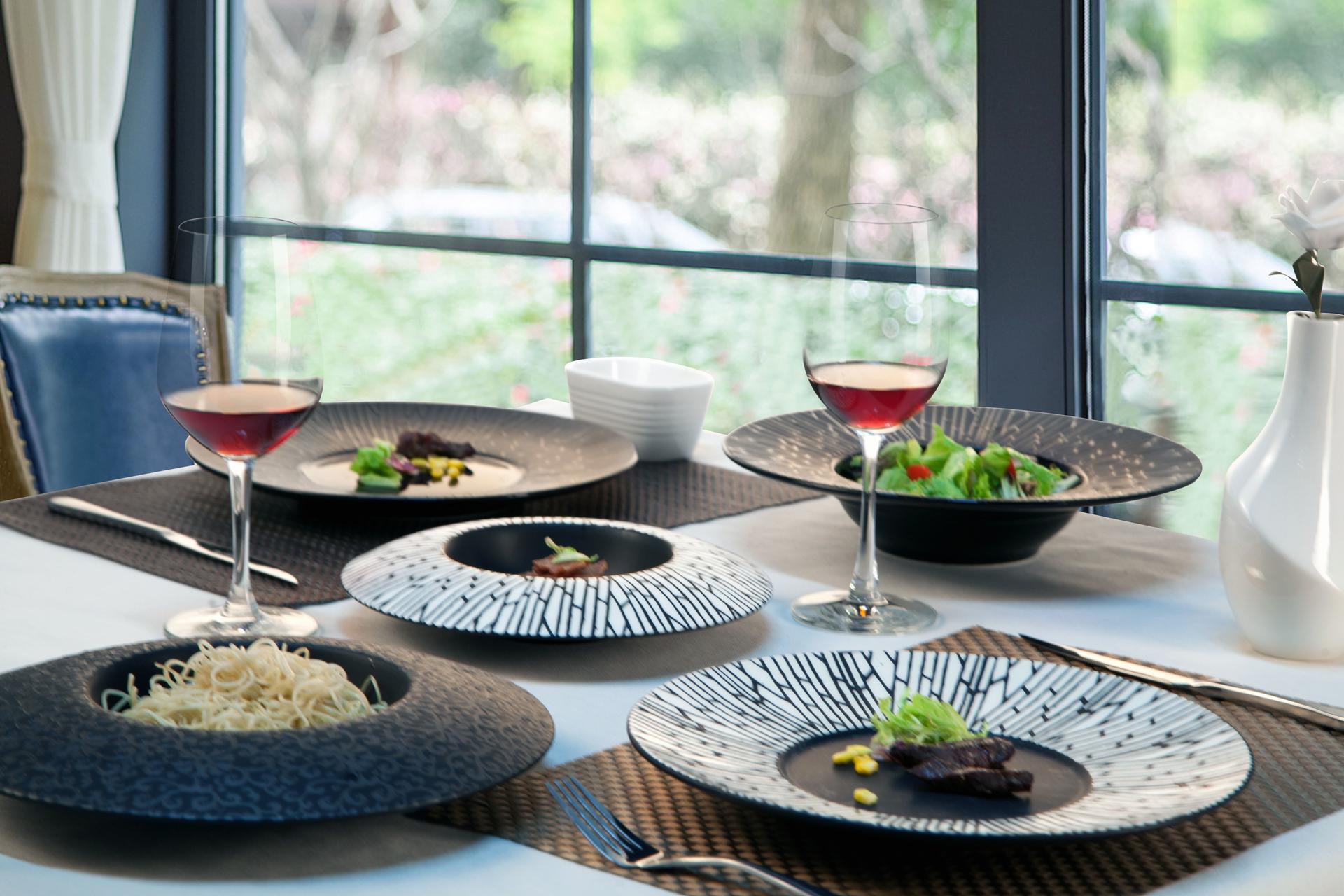 Fine restaurant matte black ceramic plate porcelain tableware for dinner
