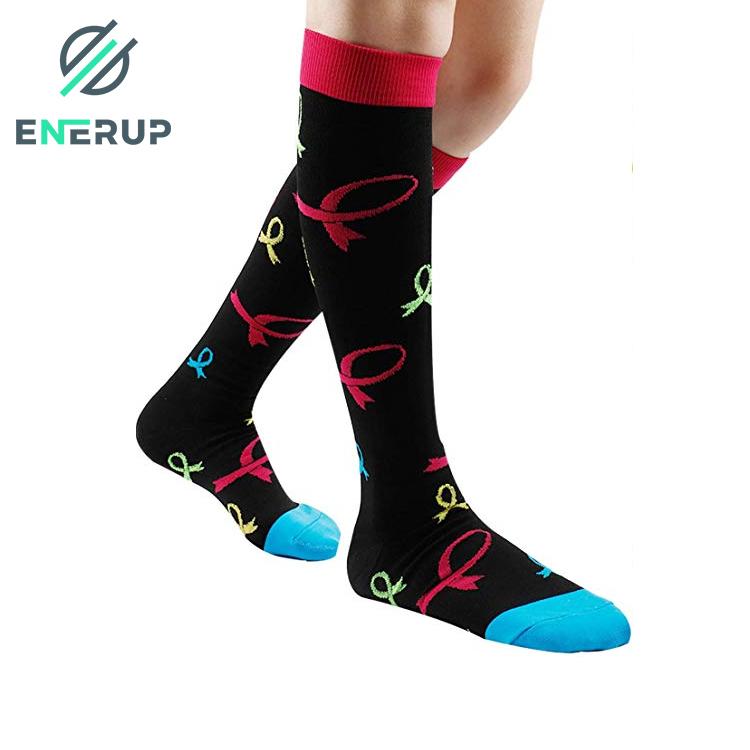 Enerup Outdoor Sports OEM Custom Logo Men Kaos Kaki Calcetines Deportes Custom Colorful Sports Athletic Compression Socks