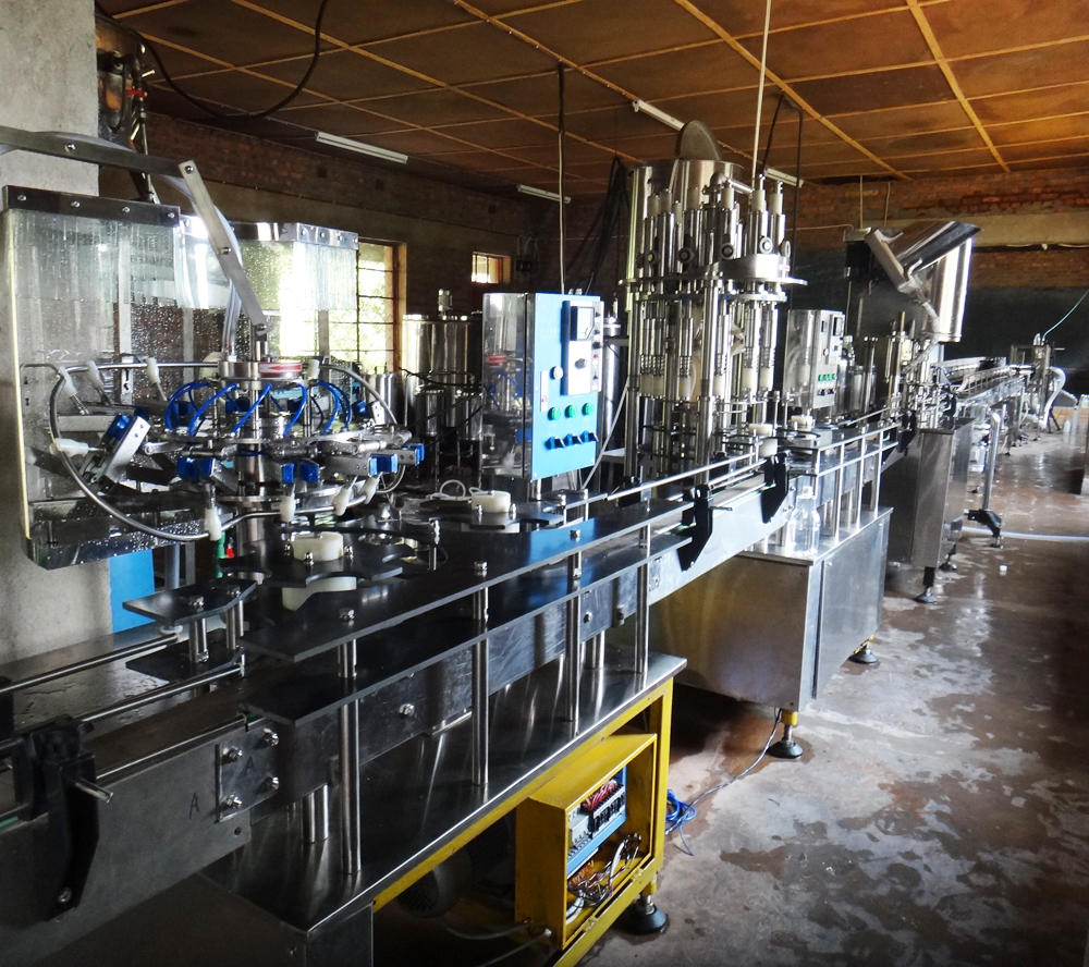 Small water bottling line for pure water mineral water juice filling plant