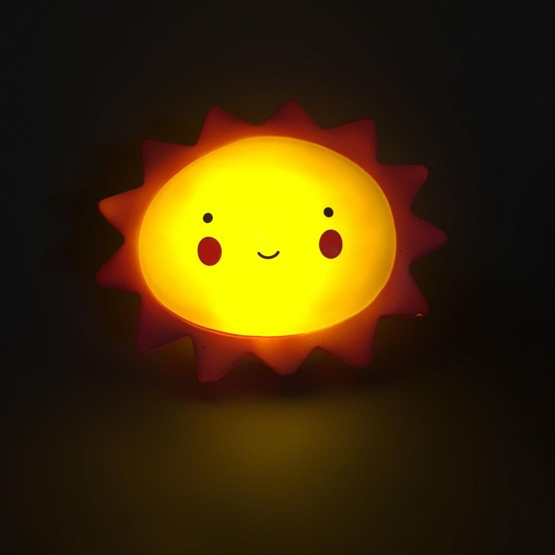LED OEM Creative cute sun with facial expression cartoon battery night light ECO-ABS For Children Baby Kids gift