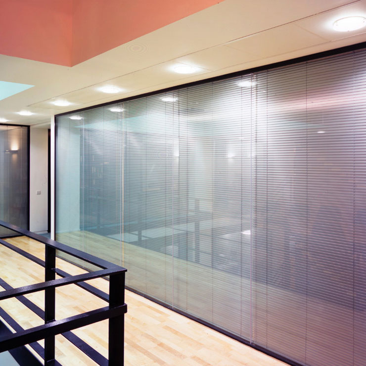 Fashion Design Aluminum Decorative Glass Waterfall Partition Wall For Home