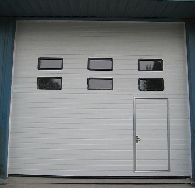 Customized outdoor industrial lift gate special doors manufacture in Guangzhou