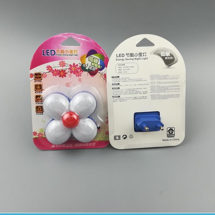 W092 0.6w AC 110V or 220VMini Four Leaf Clover flower 4SMD mini switch plug in night light