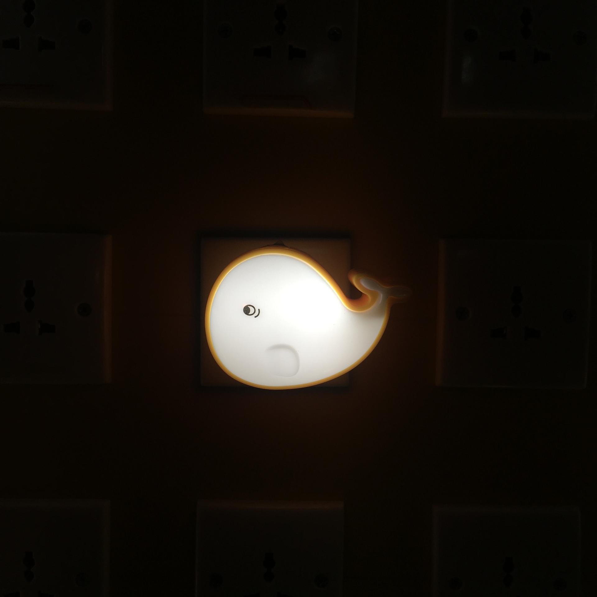 OEM 0.6W AC 110V or 220V W045 The whale shape 3SMD mini switch plug in night light