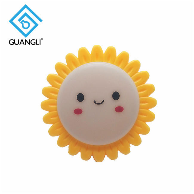 OEM sun smile shape LED SMD mini switch plug in night light with 0.6W and 110V or 220V W028