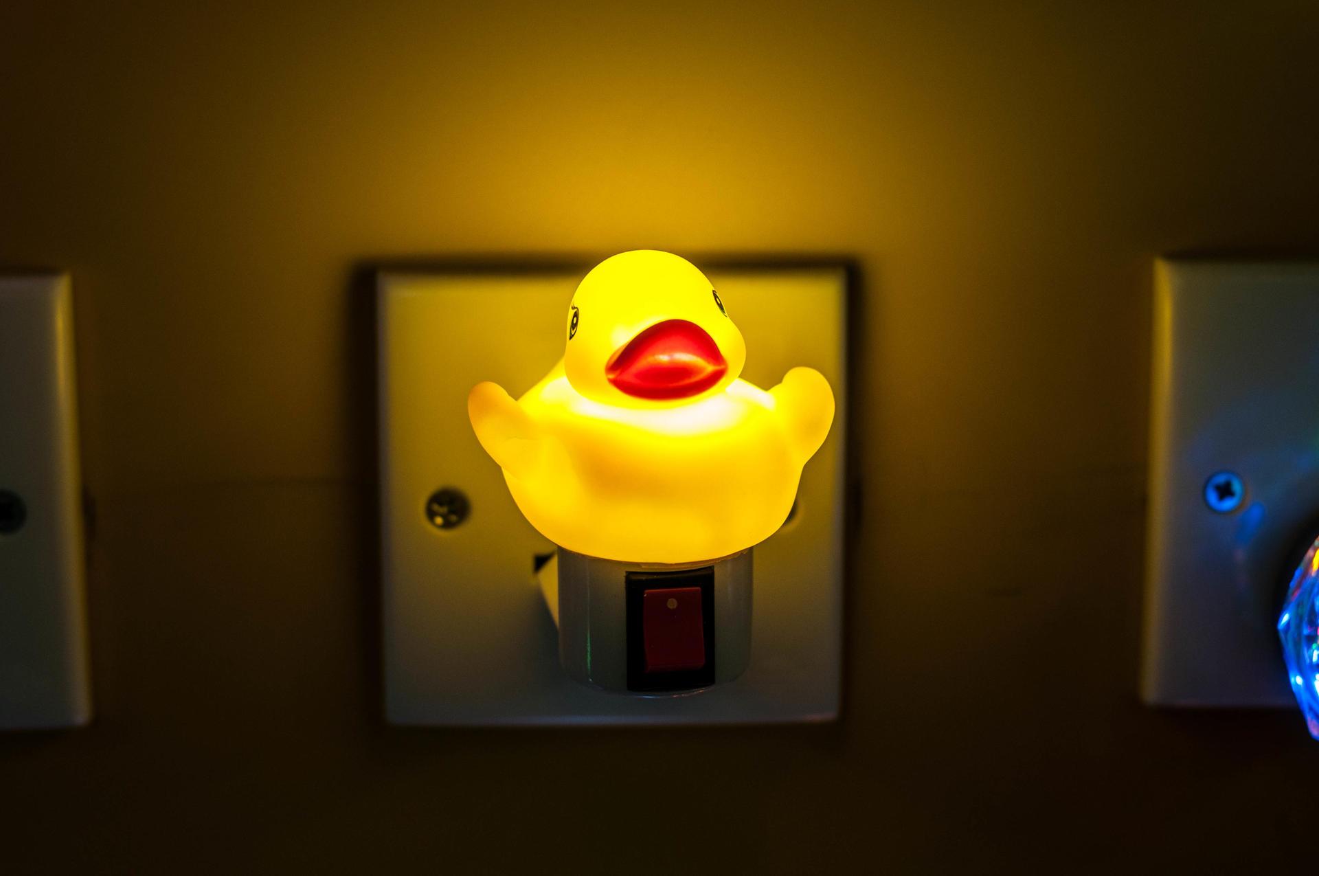 OEM Baby Bedroom Carton Animal Cute Silicone Sleep LED Night Light 7 Colors Changing LED Sensor Light