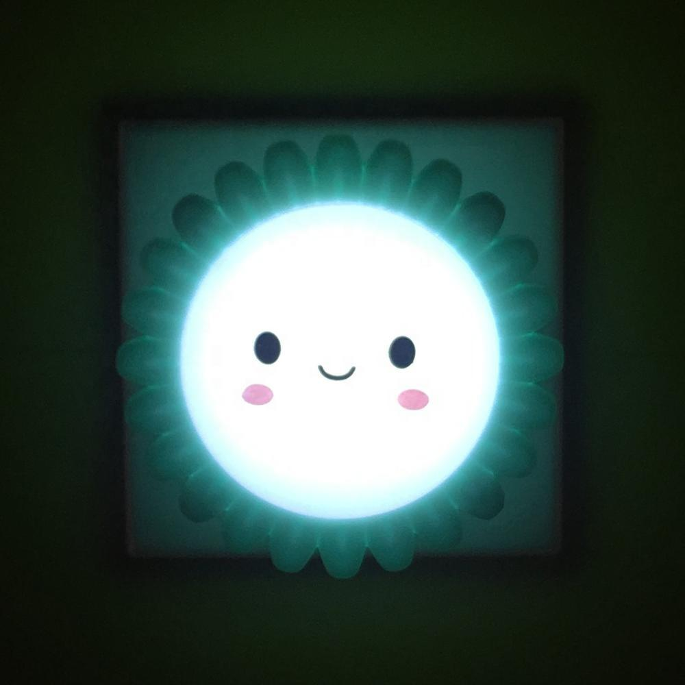 sun smile shape LED SMD mini switch plug in night light with 0.6W and 110V or 220V W028