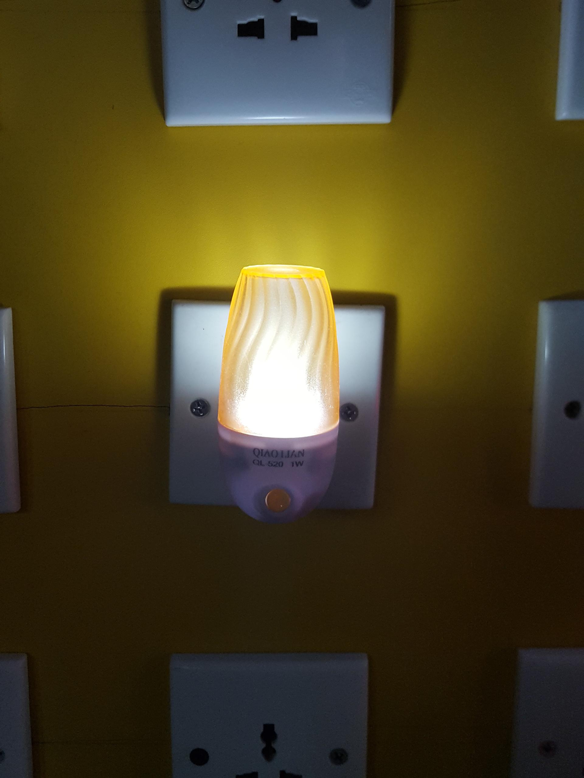 W108 mini cylindrical Columnar lamp switch plug in led night light For Baby Bedroom Wall decoration
