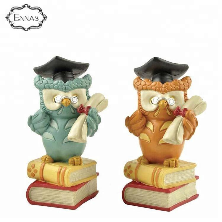 Polyresin owls on books graduation gifts