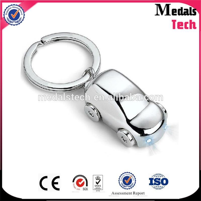 2018 Hot selling zinc alloy metal soft enamel lego keychain wholesale
