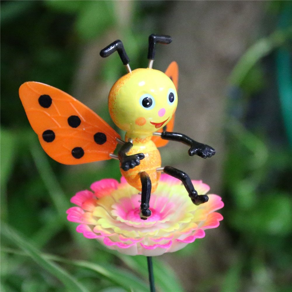 product-Osgoodway Hot Sale Wholesale Lifelike Bee funny miniature garden ornament outdoor for yard d-1