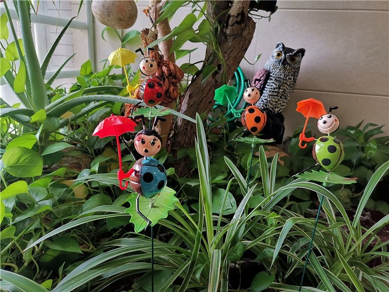 product-Osgoodway New product Wholesale Ladybird with umbrella funny animal garden decor for yard-Os-1