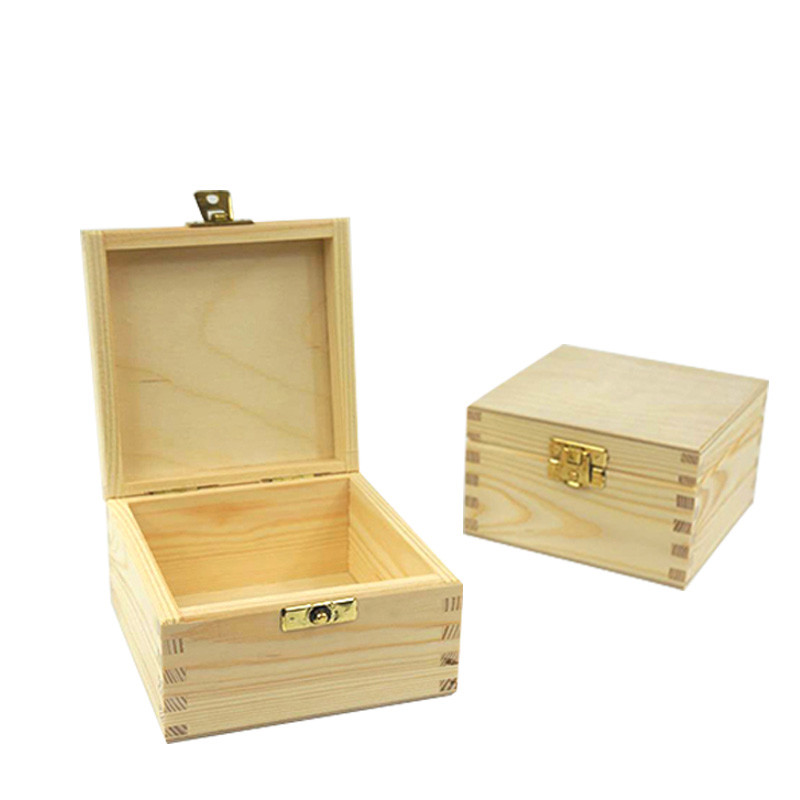 Custom Necklace Jewelry wood packaging gift boxes with small lock