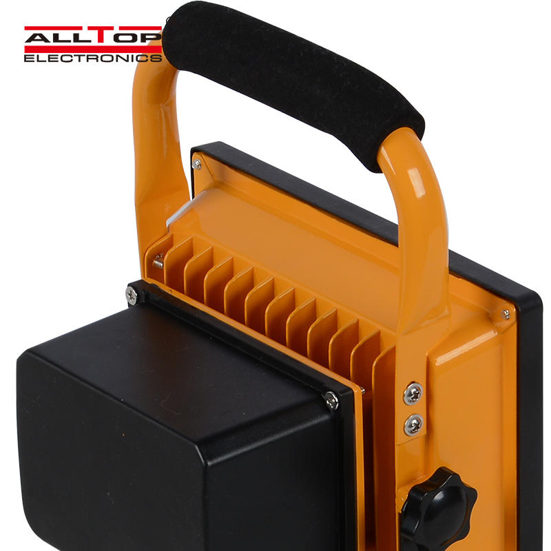 Portable IP65 outdoor aluminum 10 20 30 50 watt emergency rechargeable solar led flood light