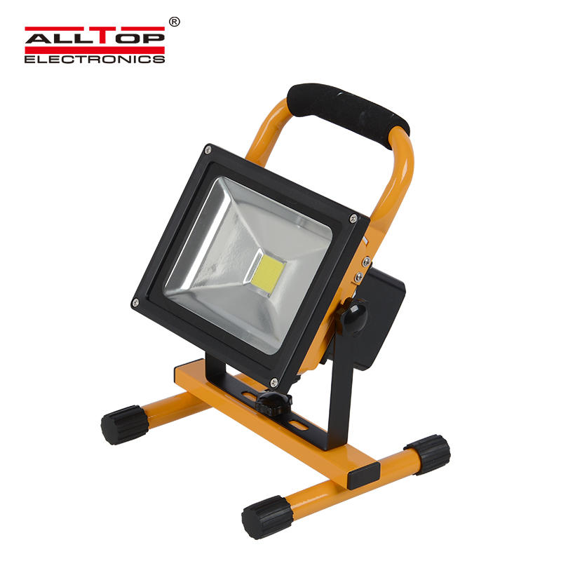Portable IP65 outdoor aluminum 10 20 30 50 watt emergency rechargeable solar led flood light