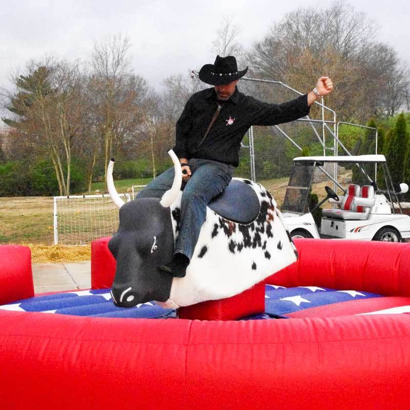 Inflatable Rodeo Mechanical Bull motor rides for rental