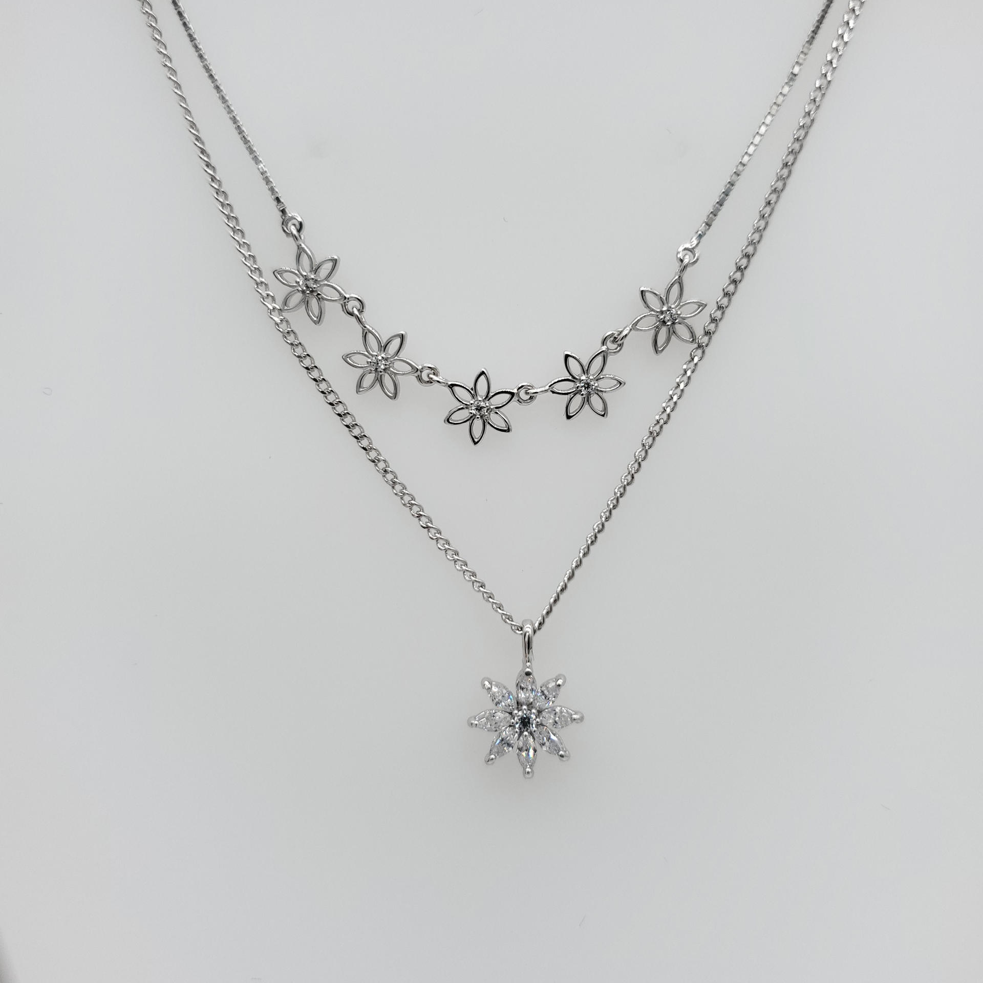 Fashion Hollow Design Tracery White Gold Cz Flower Chains Necklace