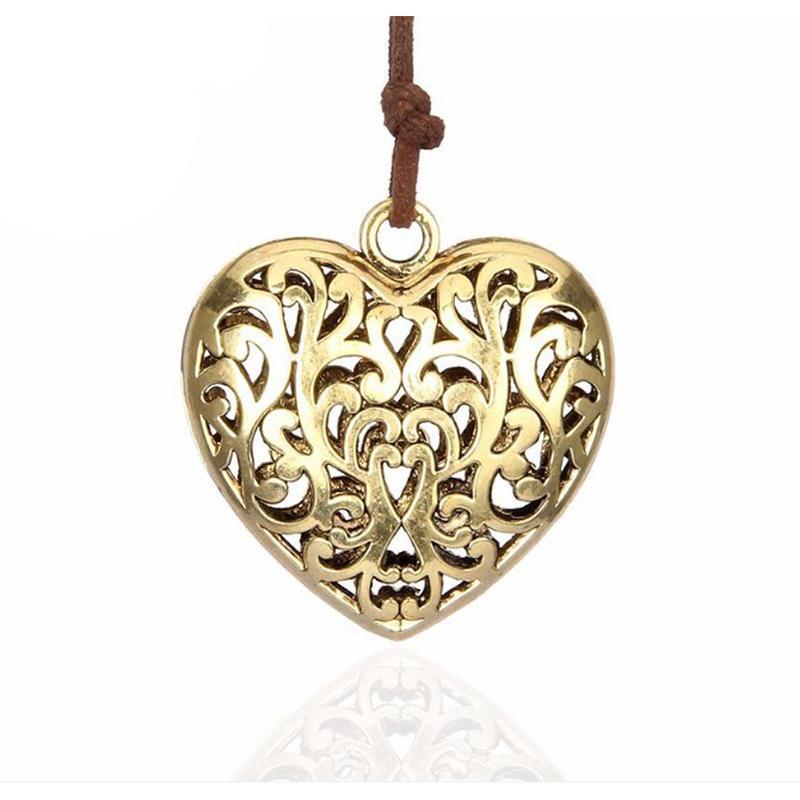 Hollow engraved heart cuban link chain hip hop necklace
