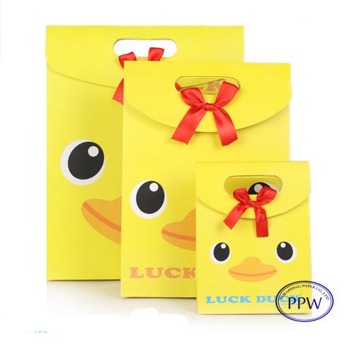 Kidz gift bags Luck duck paper gift bags 3D design