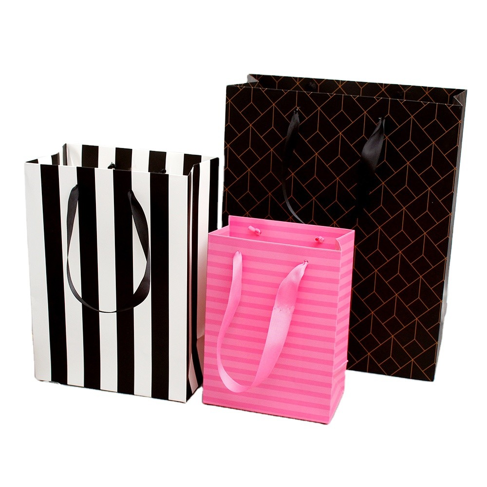 Amazonhot saleMade Paper Bag Shopping Bag Printing Art Paper gift bags