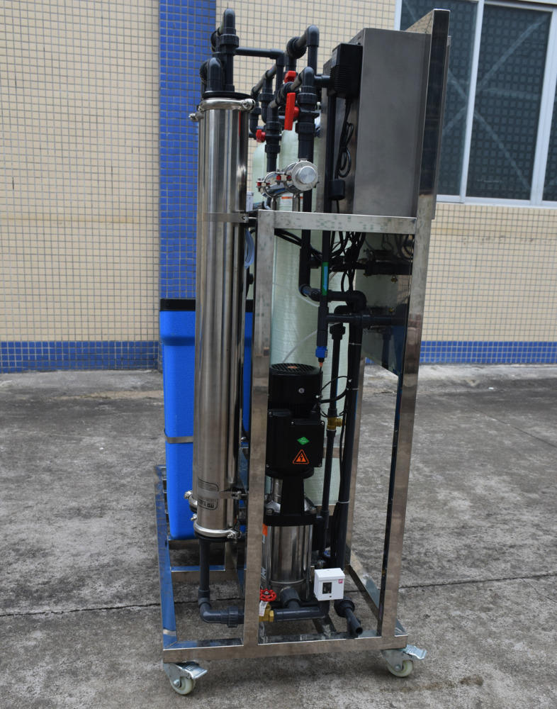 500LPH Borehole Salty Water Compact Industrial Reverse Osmosis Treatment System