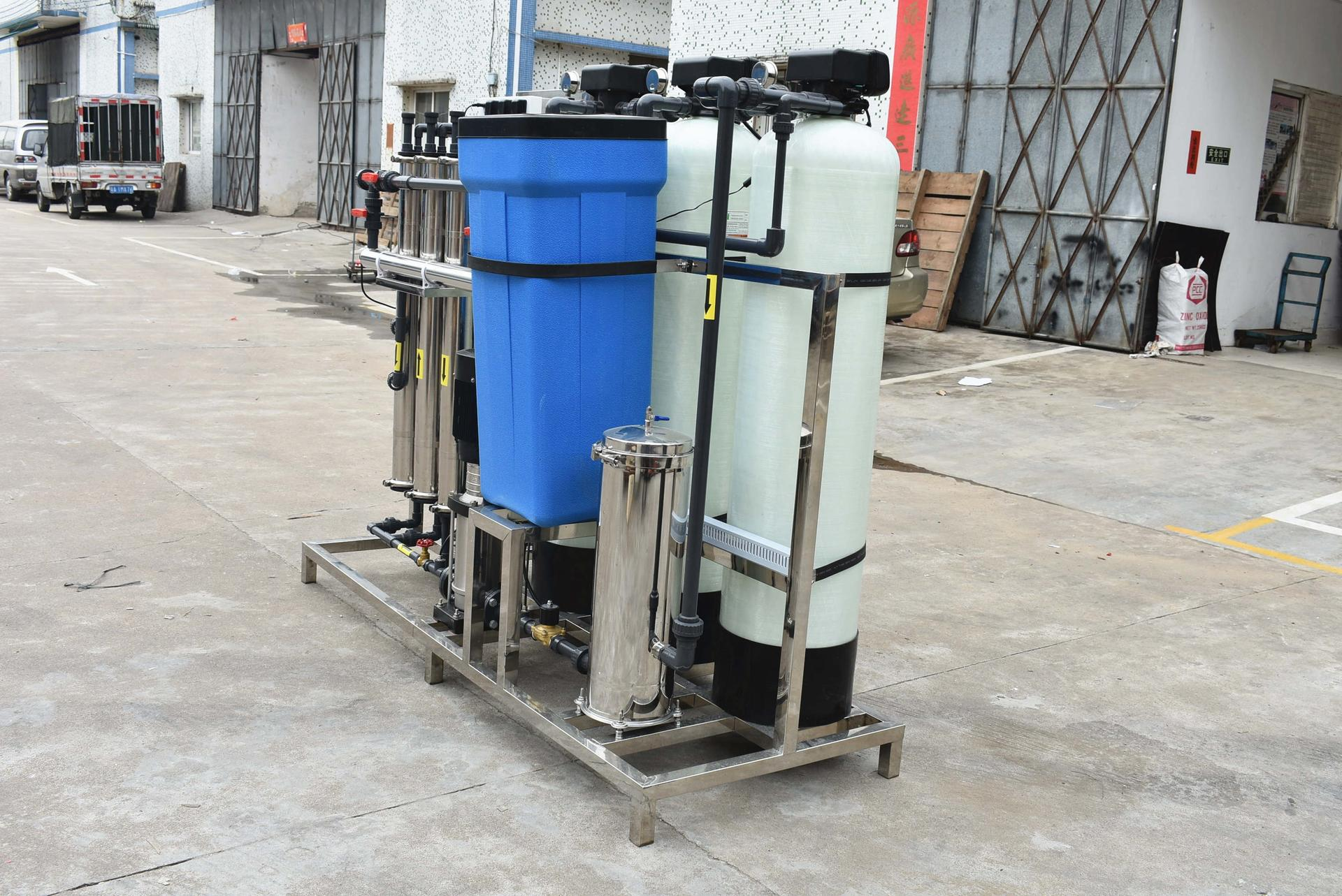 Small Space Reverse Osmosis 750LPH Water Treatment Equip Plant