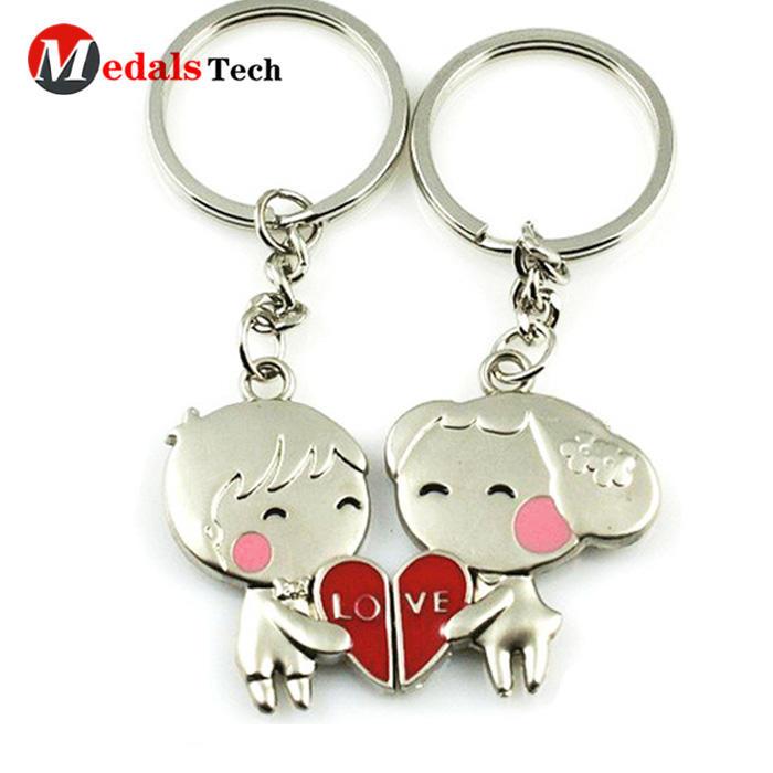 2019 high quality custom love metal cutecouple funny keychain