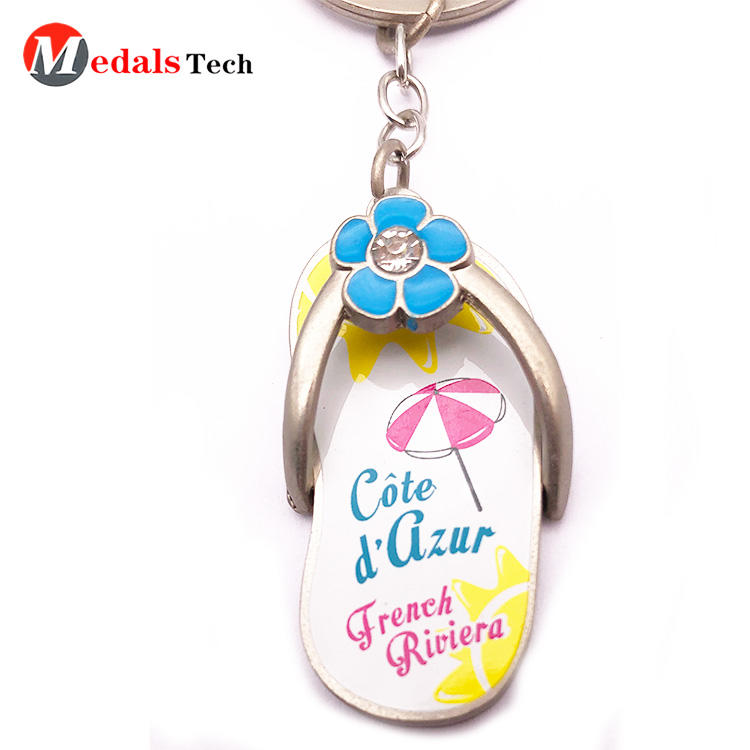 Cheap custom shaped beautiful gift metal beach mini shoe keychain