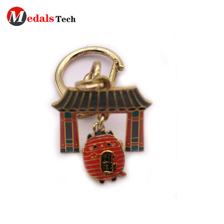 Cheap house shaped festival event souvenir keychain with dog hook