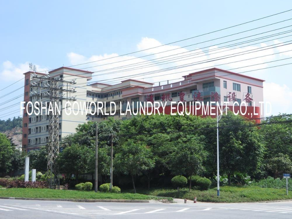 Clothes conveyor machine for commercial laundry shop