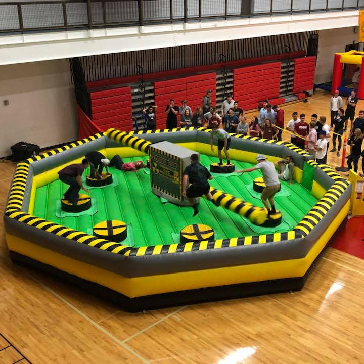 Factory price mechanical inflatable meltdown wipeout machine game for sale