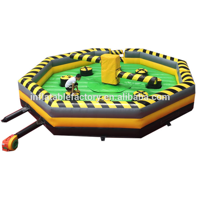 challenge inflatable wipe out meltdown game with rotative machine