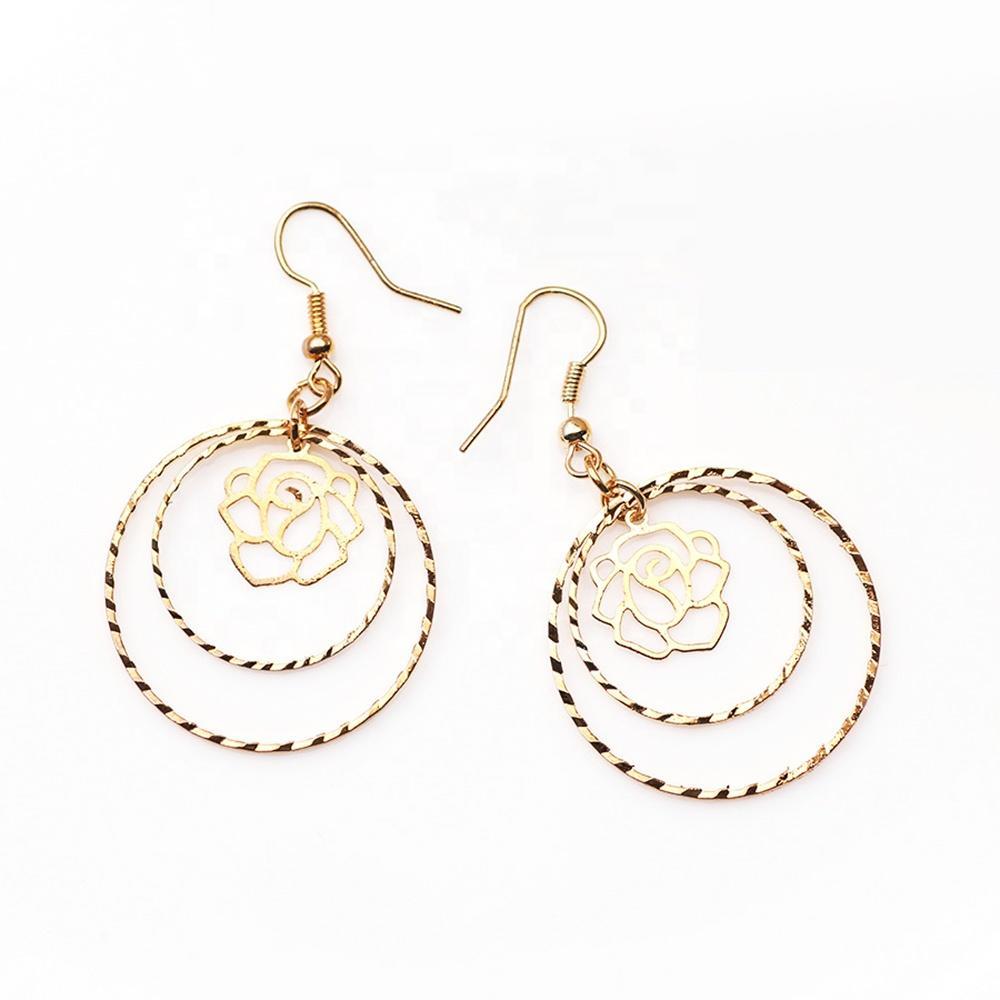 Fancy Beauty Gold Flower Engraved Silver Ear Ring Golden