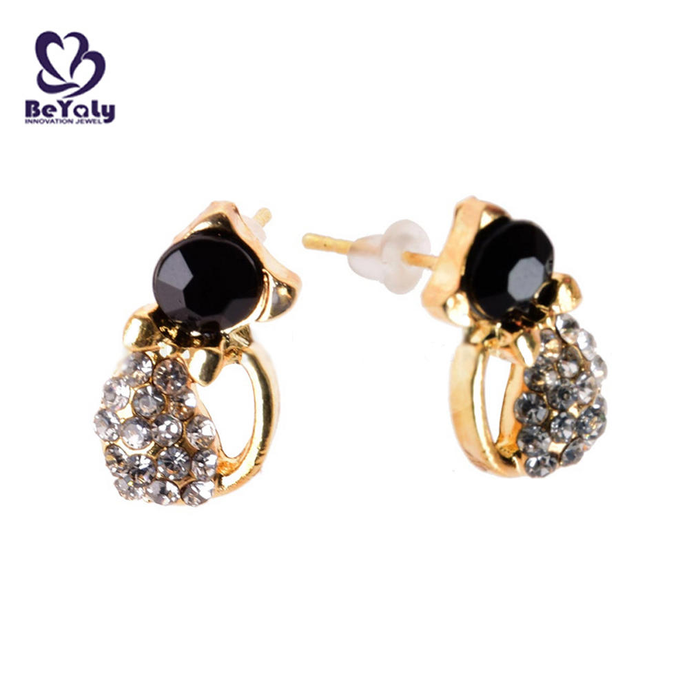 Latest cz cat shape custom 3d fashion animal shaped earrings